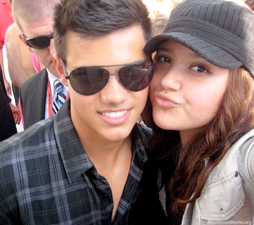 taylor-lautner-comic-con-fan-tm