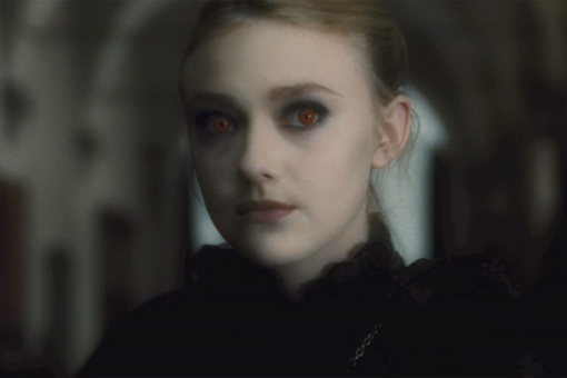 26_new_moon_dakota_fanning