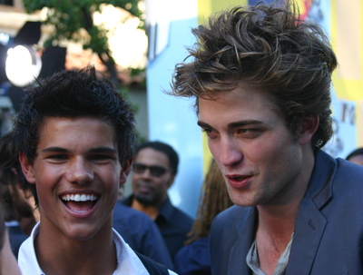 robert pattinson taylor lautner vma